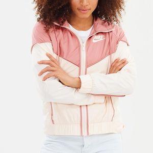 Nike | Windrunner Jacket in Rust Pink